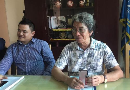 Ông Phó Đức Phương (phải) - Giám đốc Trung tâm bảo vệ quyền tác giả âm nhạc Việt Nam - tại buổi họp.